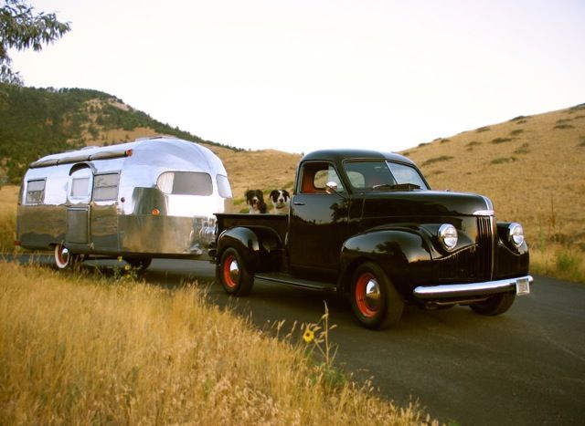 1949 Curtis Wright Clipper [1948 Studebaker M5 Pickup tow