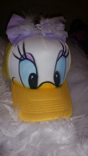 e452e64cd88 DIY Daisy Duck Hat