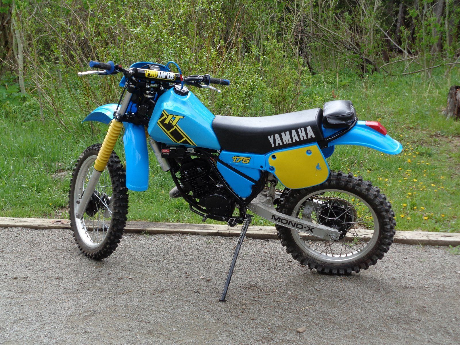 83 yamaha it175 vintage dirt bike dirt biking. Black Bedroom Furniture Sets. Home Design Ideas
