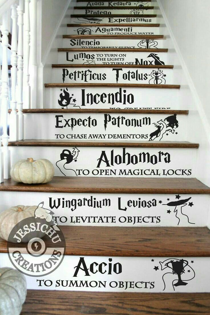 Pin Ot Polzovatelya Cara M Na Doske Harry Potter Zaklinaniya Garri Pottera Garri Potter Dekor Oboi Garri Potter