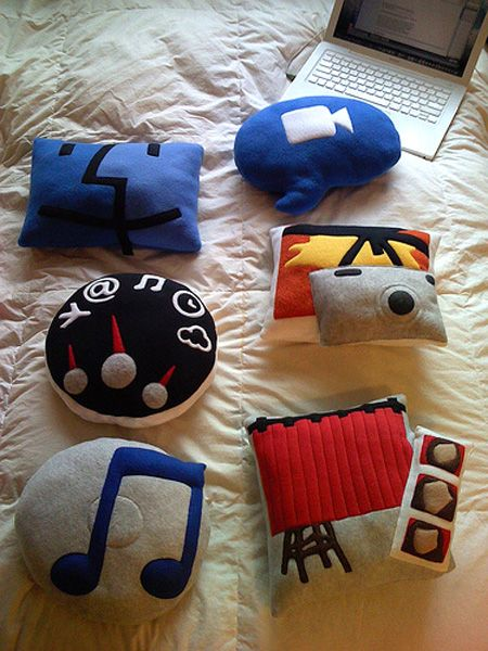 what an #awesomeidea to make icons into #pillows i want the finder one
