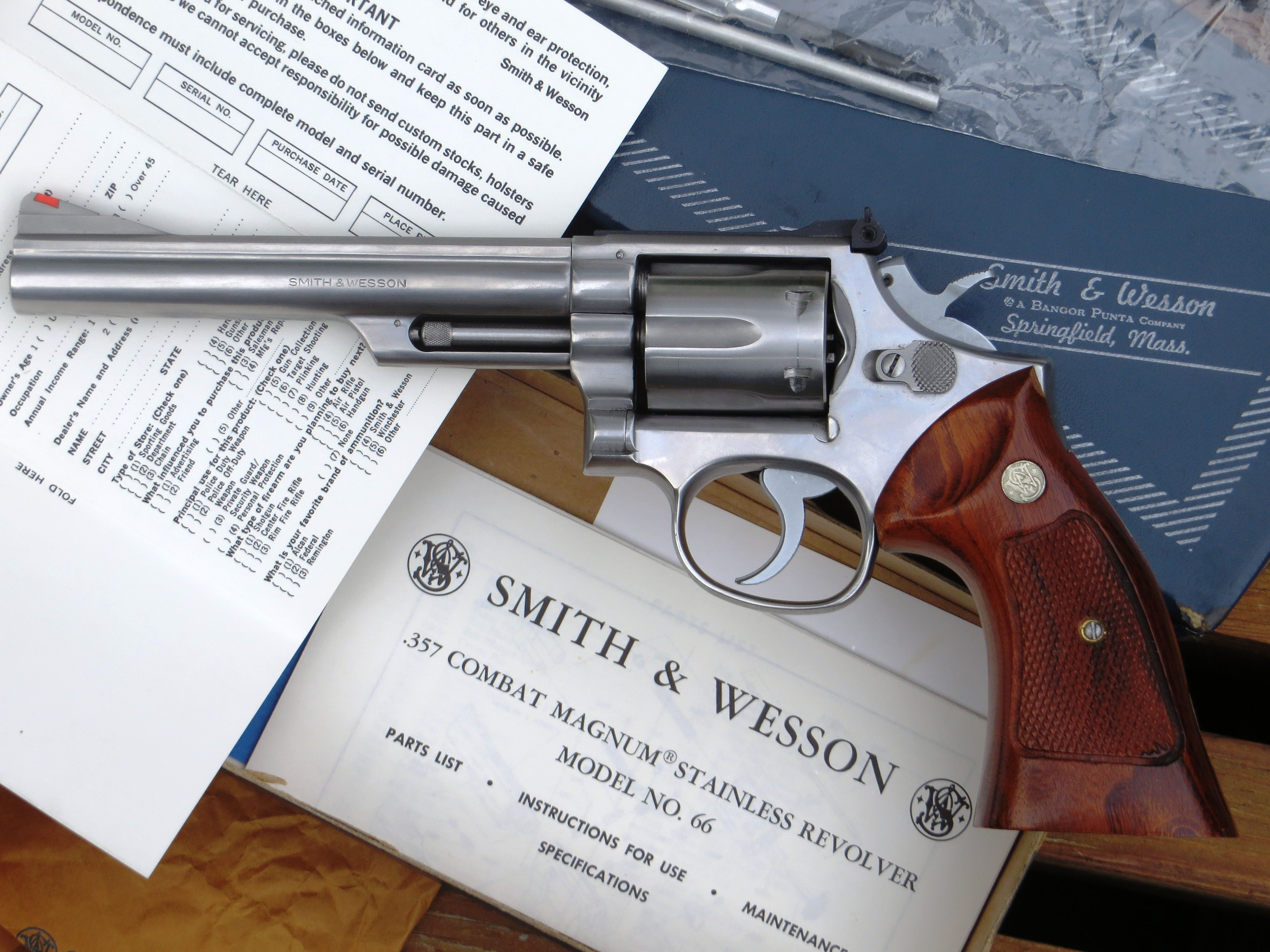 Smith & Wesson Model 66  The  357 Magnum Combat Masterpiece