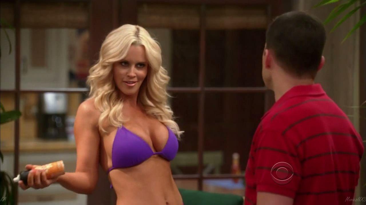 Jennifer bini taylor boob job