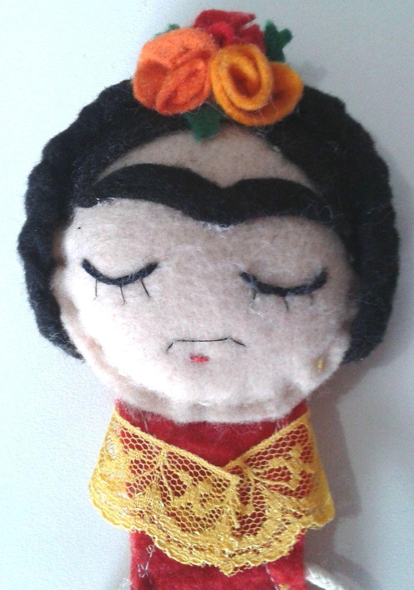 Marcador de página Frida, confeccionado em feltro.