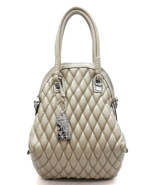 Quilted handbags are some of the top varieties offered in the latest styles of handbags and have an extra tinge of unique creativity that optimizes it use for all needs