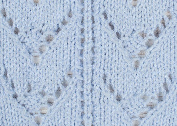 chevron-berry-raya-lace-02-primer