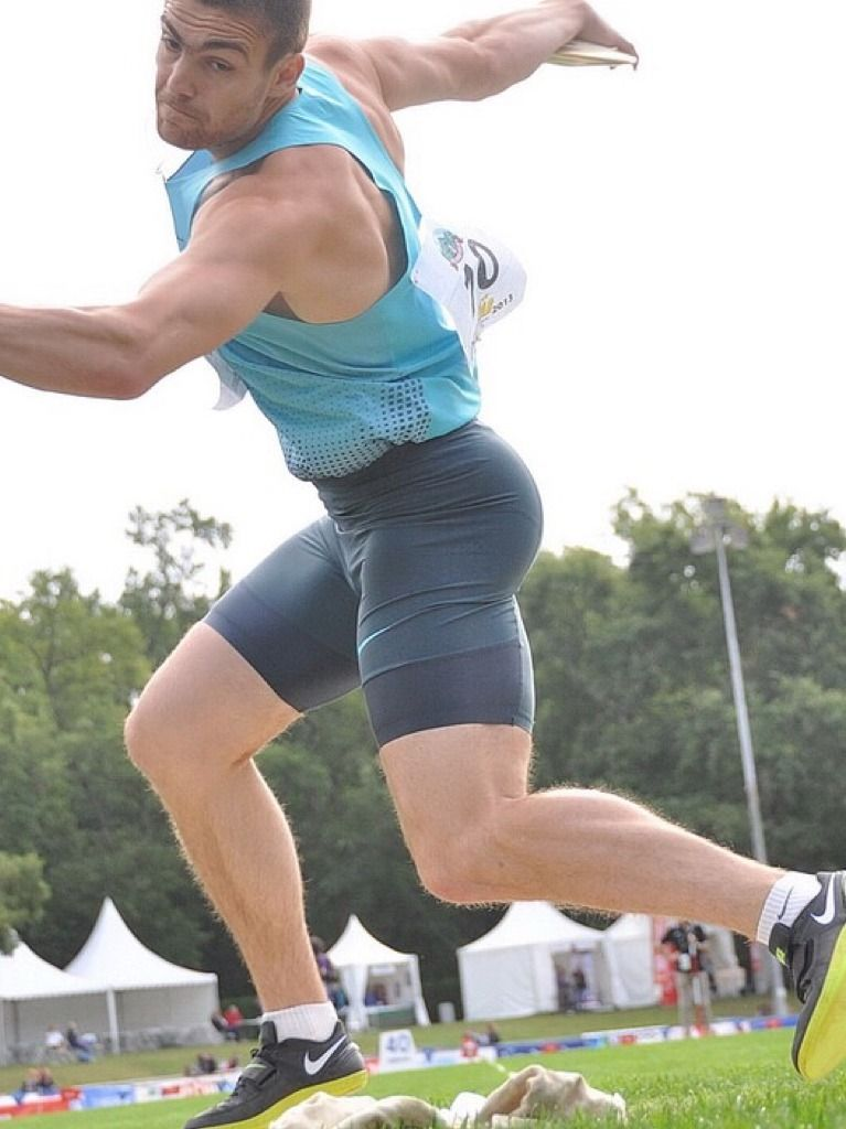 Pin by Austynchance on Playing sports | Athletic men