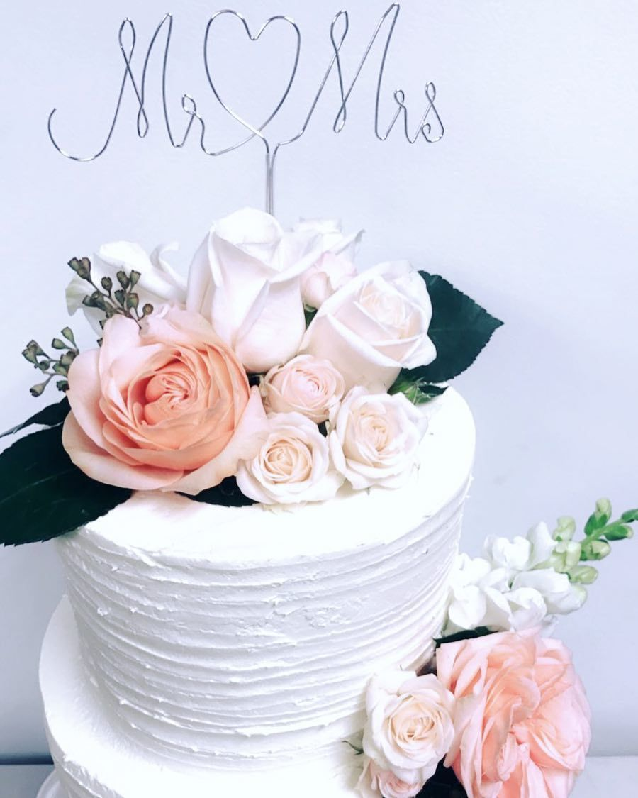 Simple floral wedding cake cake luxe toronto a cheryl loves