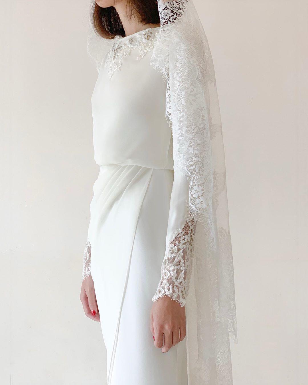 1 594 Likes 24 Comments Cloleo Cloleoofficial On Instagram Exquisite Details And A Sense Of Nikah Dress Simple Engagement Dress Wedding Suits For Bride [ 1350 x 1080 Pixel ]