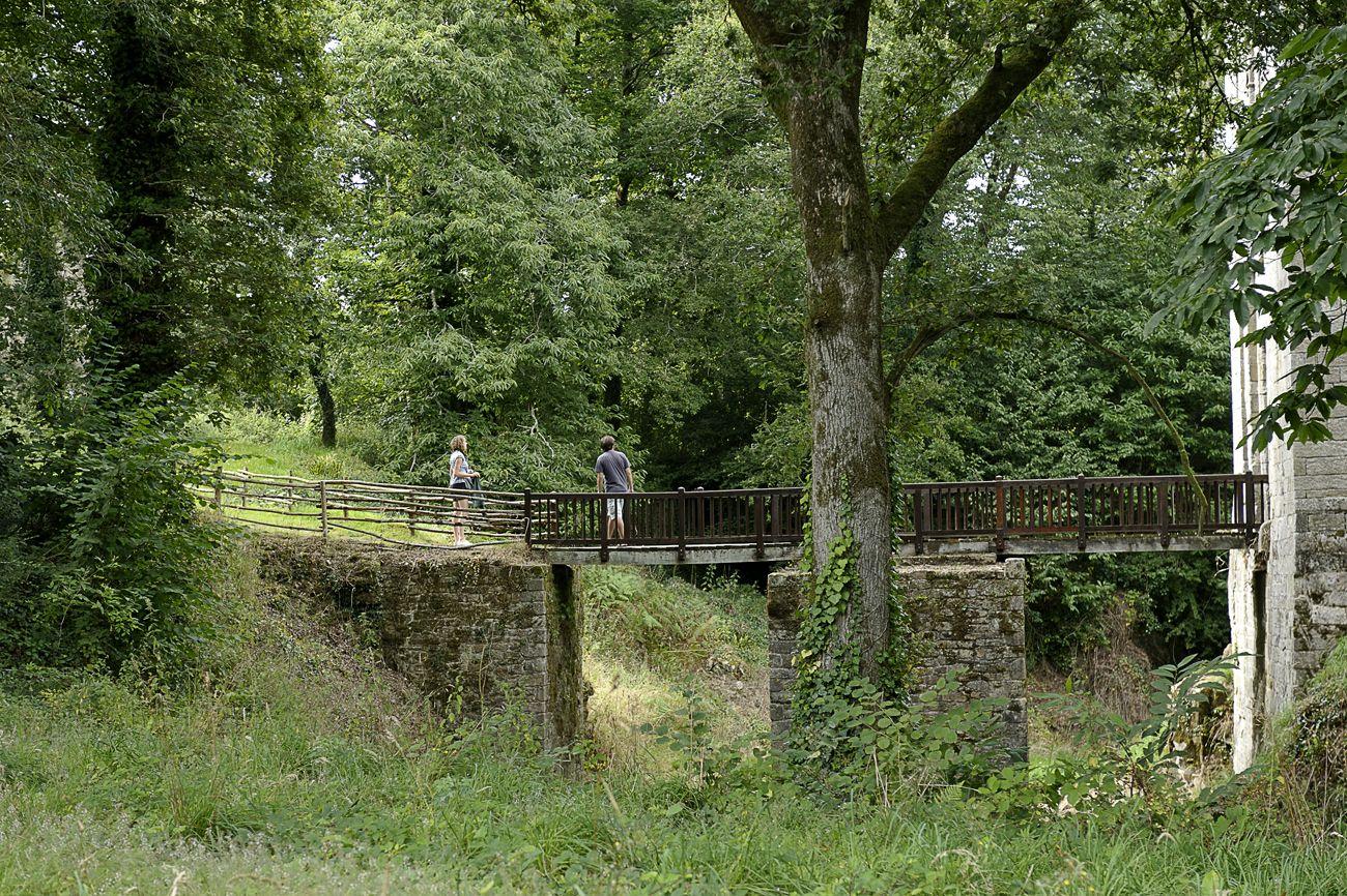 #elven #bretagne #morbihan #promenadebretonne #forteresse #Largoet #forteressedelargoet #passerelle