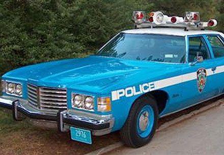 Nyc Pontiac Police Car From The 1970s Looks Like A 1975 Pontiac Catalina Police Cars Old Police Cars Police