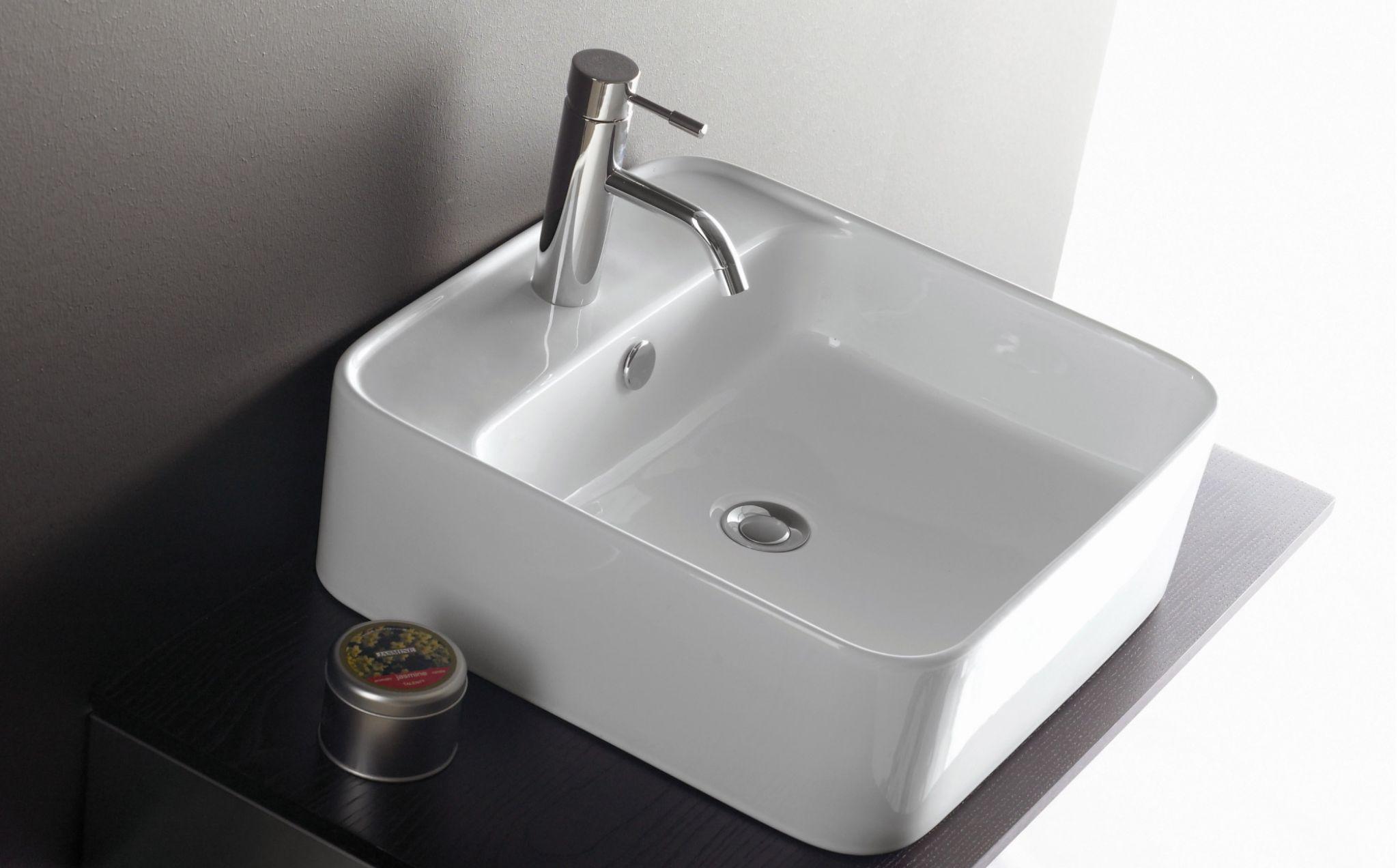 lavabo orotava rectangular de porcelana sobre encimera sin