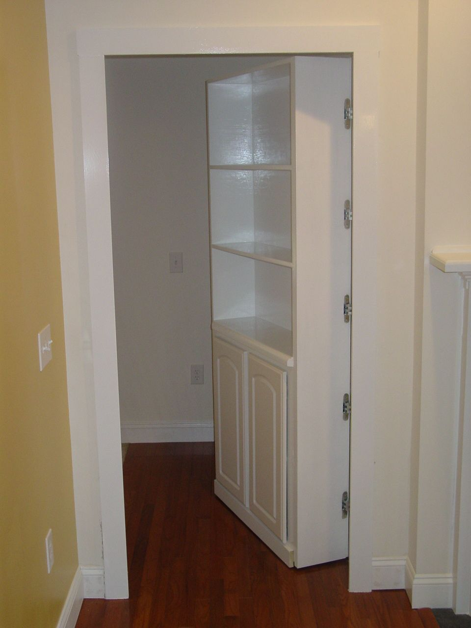 Hidden Doors Looks Like A Normal Bookcase But It S Also A