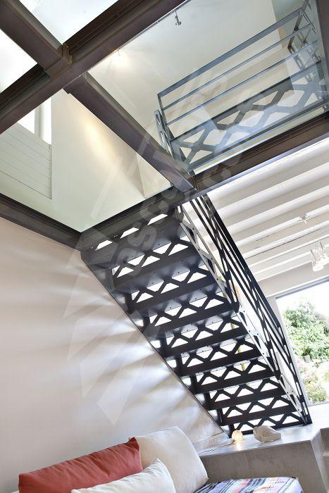 Escalier métallique 2/4 Tournants avec Palier Intermédiaire style
