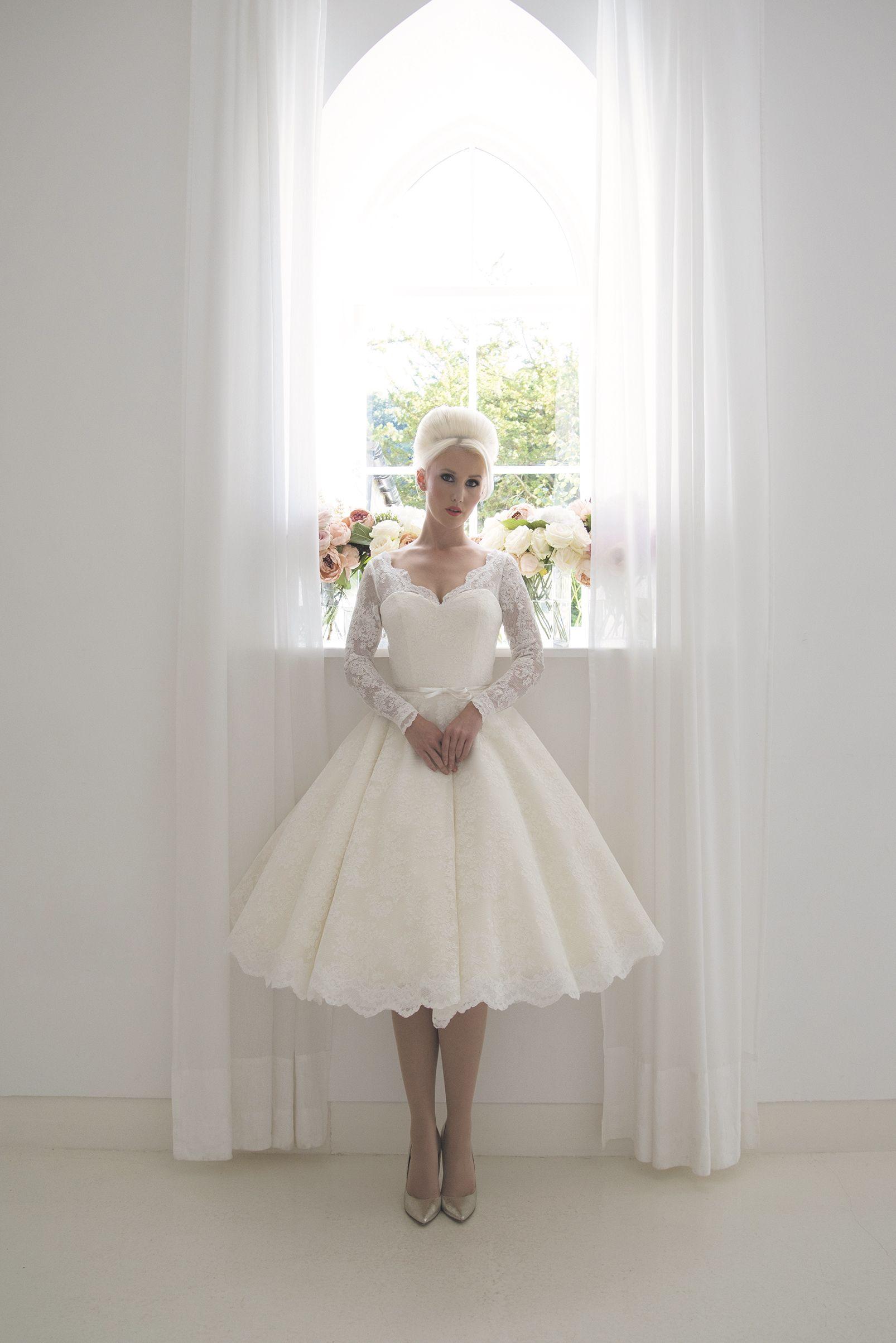 House Of Mooshki 2017 Beatrice Short Vintage 1960 S Full French Lace And Fi Tea Length Wedding Dress Vintage Tea Length Wedding Dress Knee Length Wedding Dress [ 2406 x 1606 Pixel ]