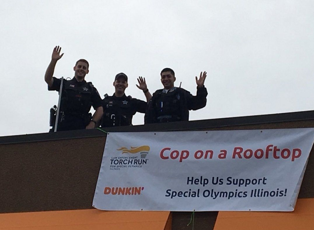 Police Around The Country Are Going On The Roof Of Dunkin Donuts To Raise Money For Special Olympics How To Raise Money Special Olympics Dunkin Donuts