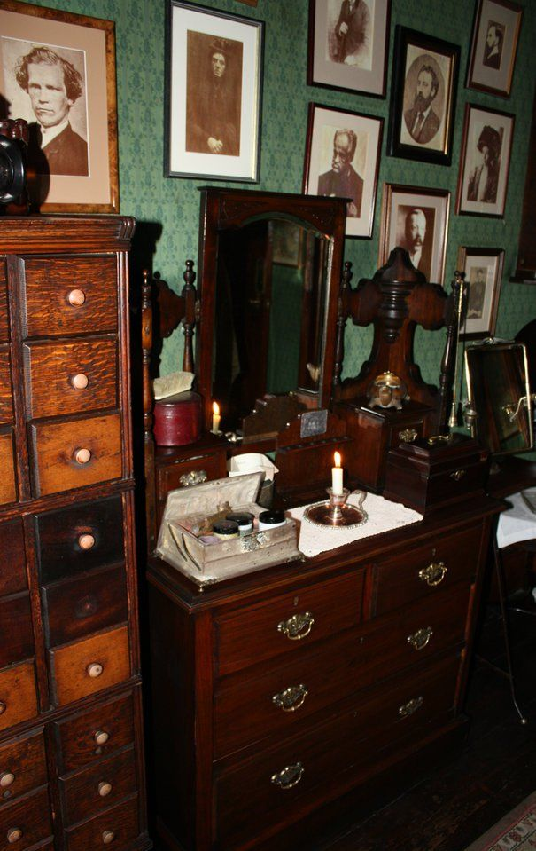 A Review of the Sherlock Holmes Museum in London