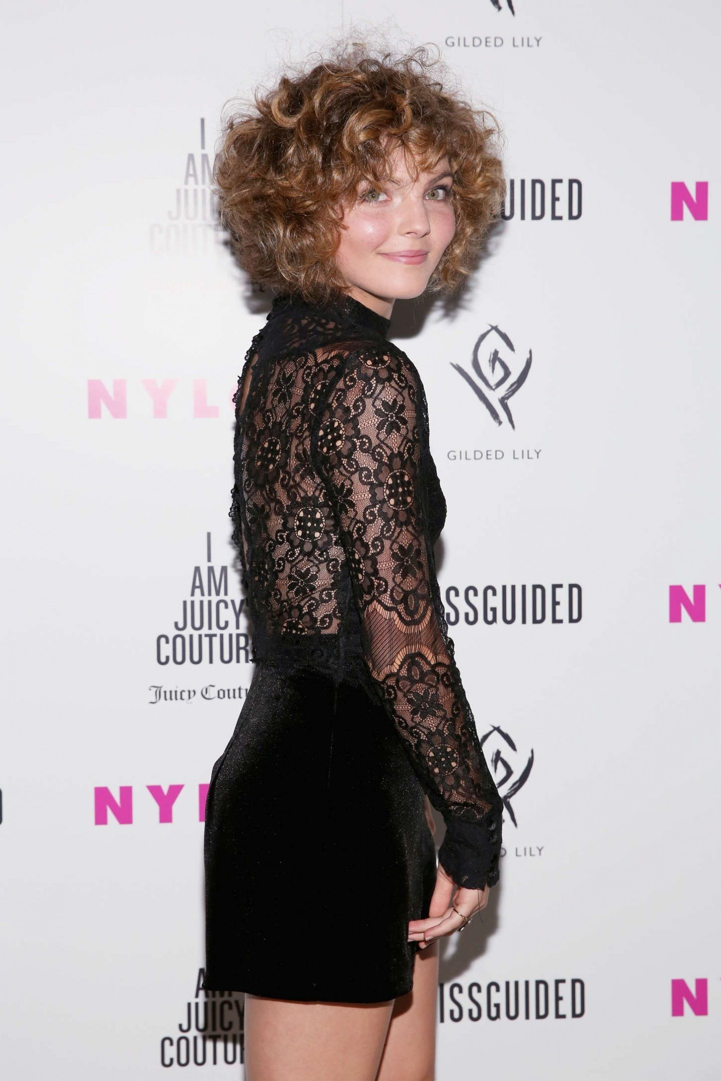 Paparazzi Celebrites Camren Bicondova naked photo 2017