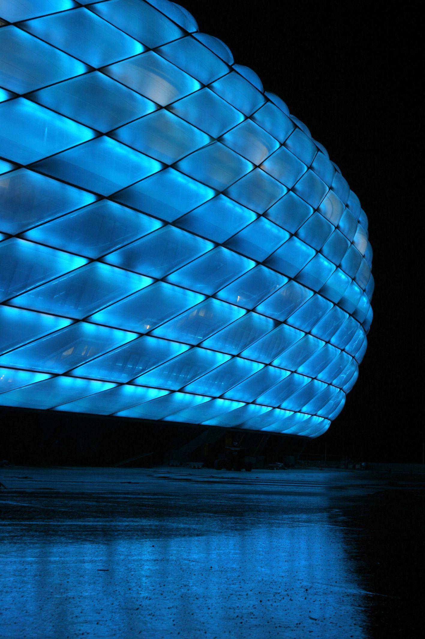 El estadio Allianz Arena en Mºnich sede de los equipos FC Bayern München y el TSV 1860 München Alemania Pinterest