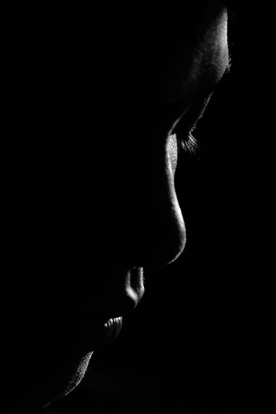 خلفيات موبايل Hd عالية الجودة تحميل خلفيات للموبايل للبنات والشباب Low Key Portraits Shadow Photography Dark Photography