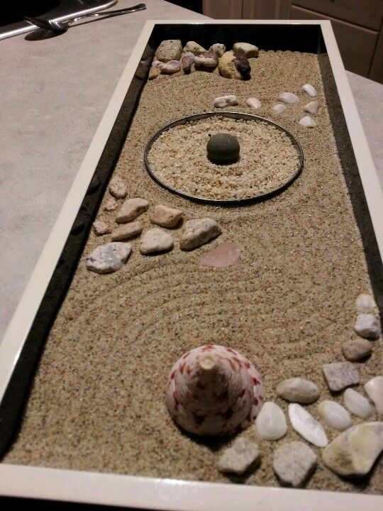 my mini zen garden made with sand and objects personally found by me japanese garden. Black Bedroom Furniture Sets. Home Design Ideas