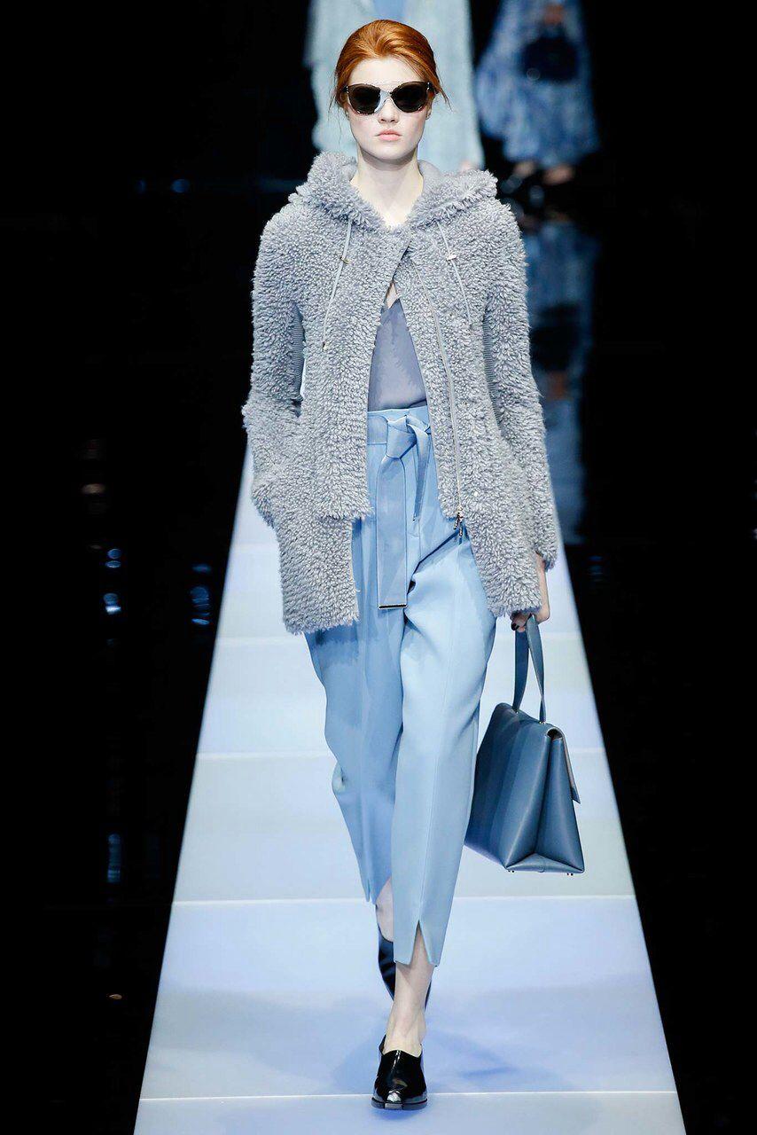 824f2200981 Giorgio Armani Fall 2015 Ready-to-Wear Fashion Show