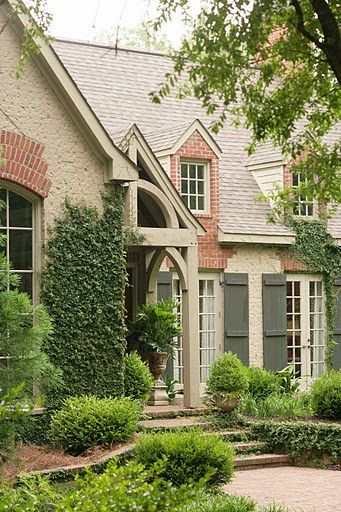 Dream House Cottage Curb Appeal