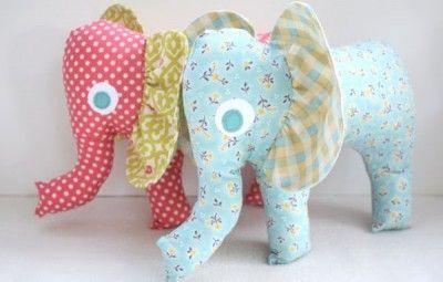 Elefantinho de tecido vai divertir os seus pequenos (Foto: craftinessisnotoptional.com)