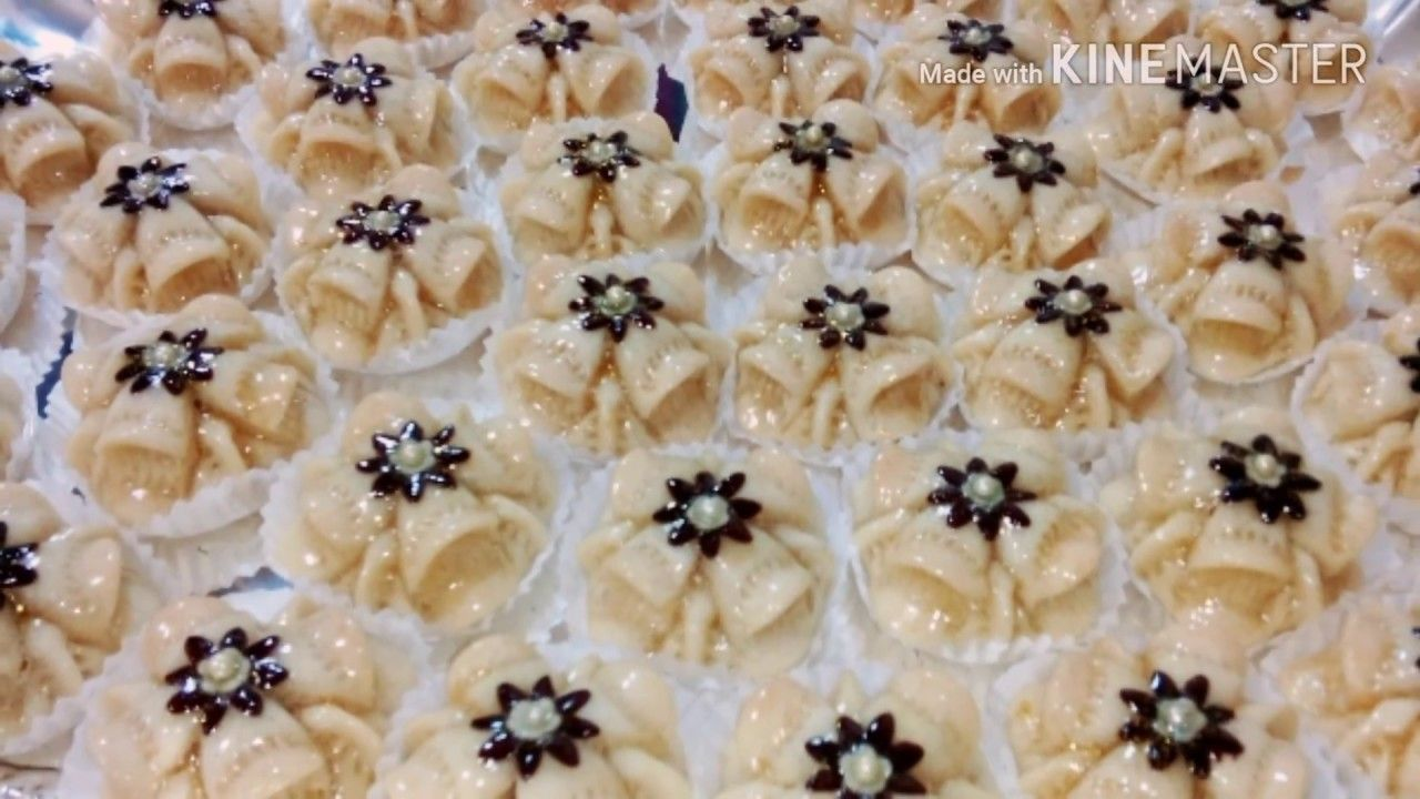 جديد حلويات اللوز 2017 الشكل السادس وردة الصحراء Gateaux D Amandes Modele 6 Youtube Just Desserts Desserts Projects To Try