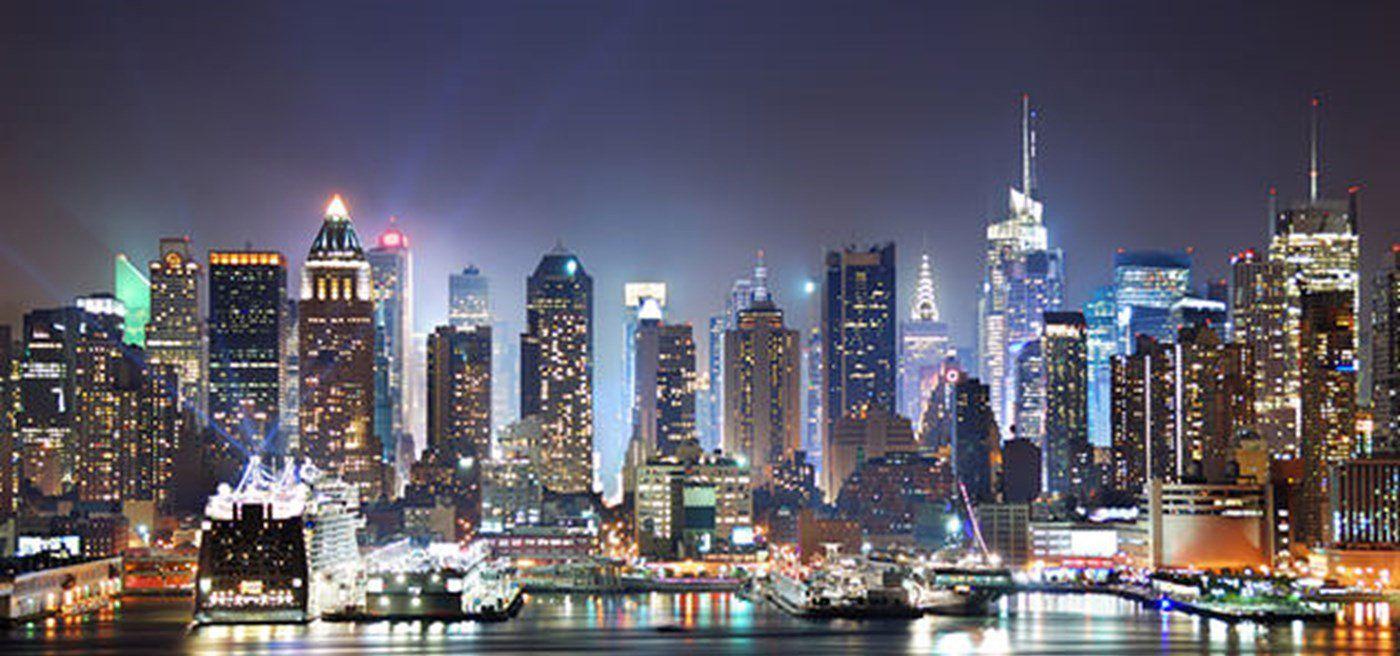 Economics In One Lesson Henry Hazlitt New York Bedroom Wallpaper Bedroom Wallpaper City New York Bedroom