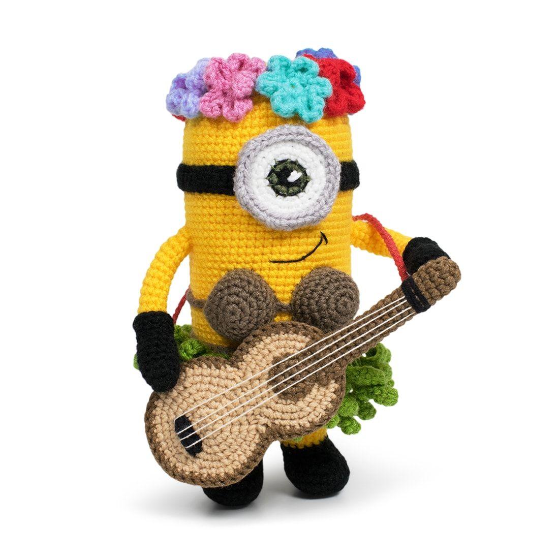 Free Hawaiian Minion crochet pattern - Amigurumi Today