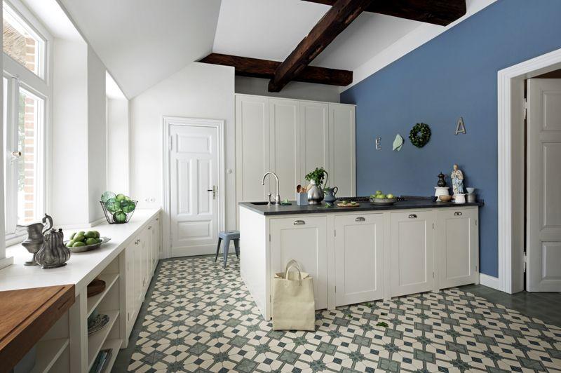 Perfect Zementplatten in der K che Mosaikboden grauer Boden Copyright VIA Platten Foto Woodworker