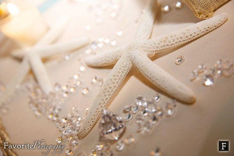 Beautiful Sea-Inspired Wedding Table. Starfish Centerpiece Ideas - Diamond Confetti Table Scatters