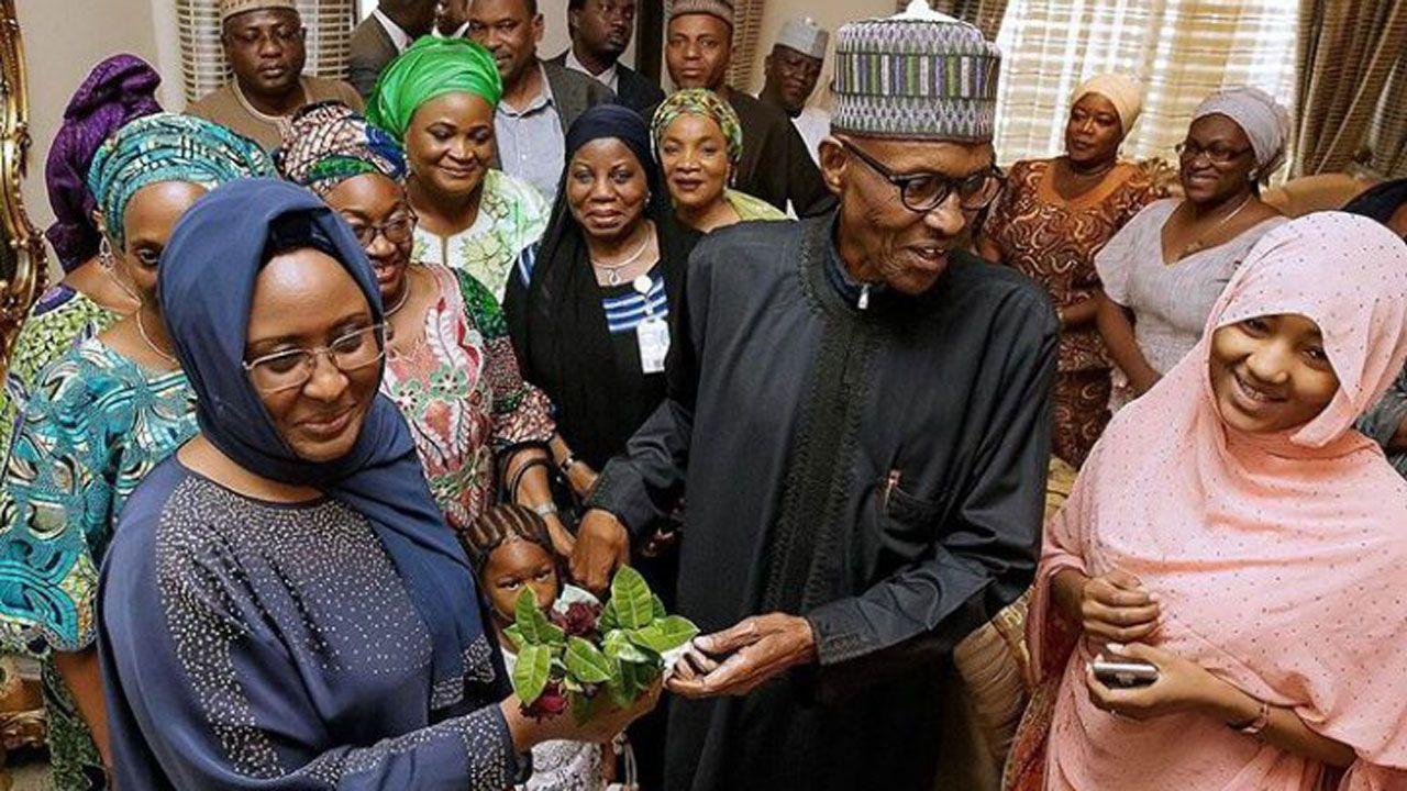 Aisha Buhari receives her husband amid cheers thanks Nigerians (Read full details)
