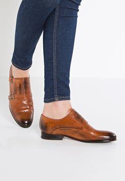 [ Halbschuhe sind die neue Schuhklasse für Damen