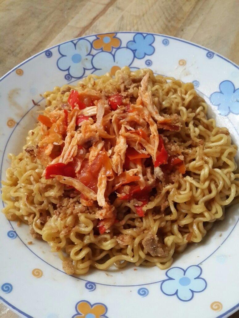 Indomie Goreng W Topping Ayam Suir Jontor Makanan Mie
