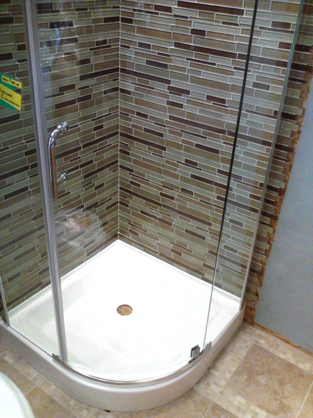 Prosto 32 x 32 Round Shower Enclosure Kit with Hinged Doors and Tray ...