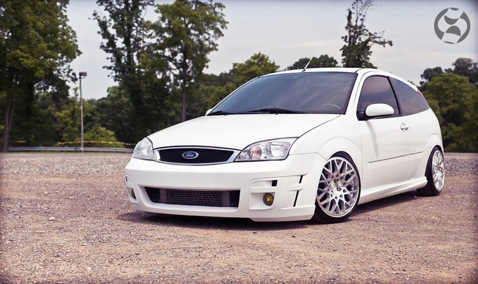 White Ford Focus Mk1 Svt From Usa Tuning And Big Rims Ford