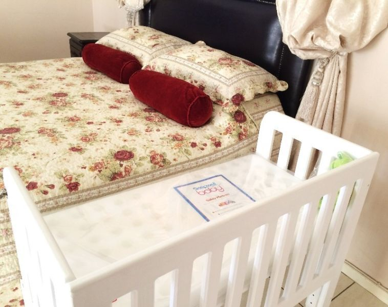 Brand New Quality Wooden Baby Co Sleeper Cot Crib Finished In White