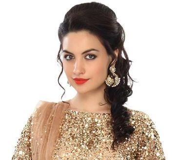 39 Inspiration Hairstyle For Short Hair On Ghagra