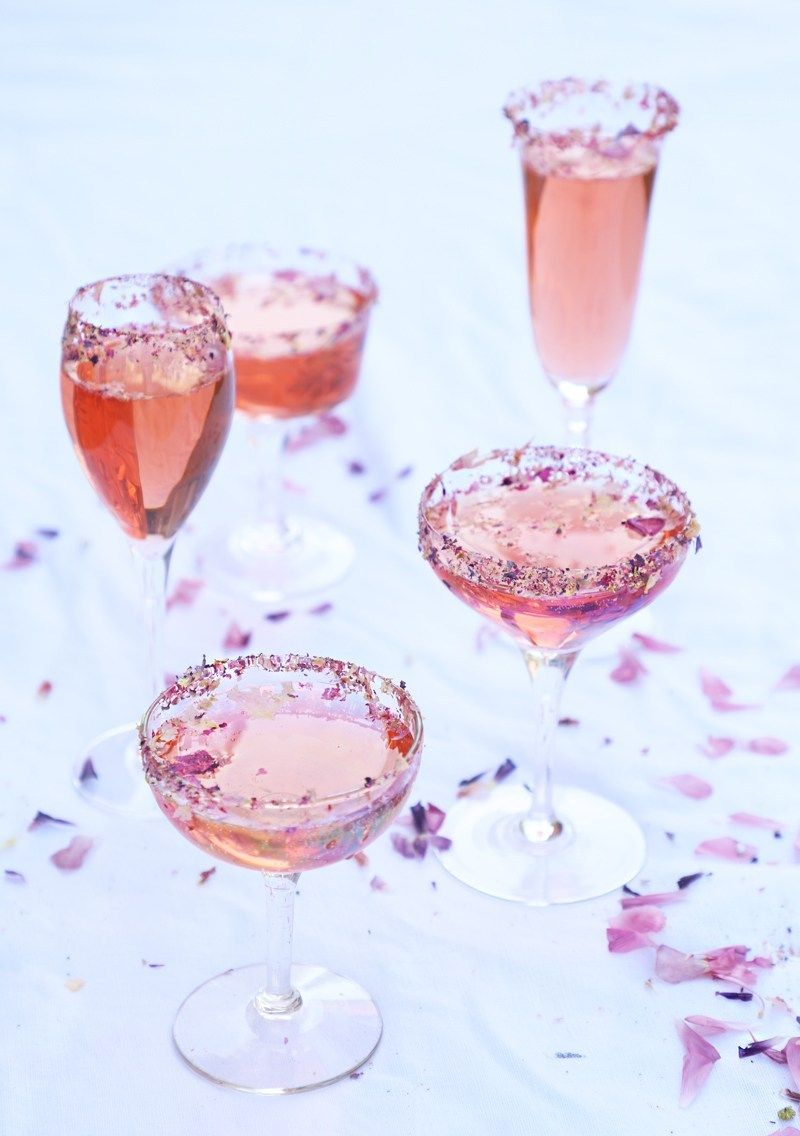 Rosé French 75 Cocktail | drinks | French 75 cocktail, Rose