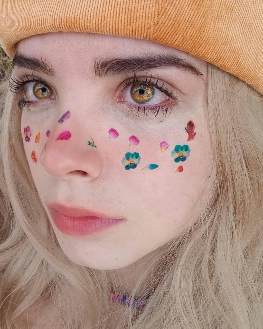 Flower freckles in 2020 Amber eyes, Beautiful eyes