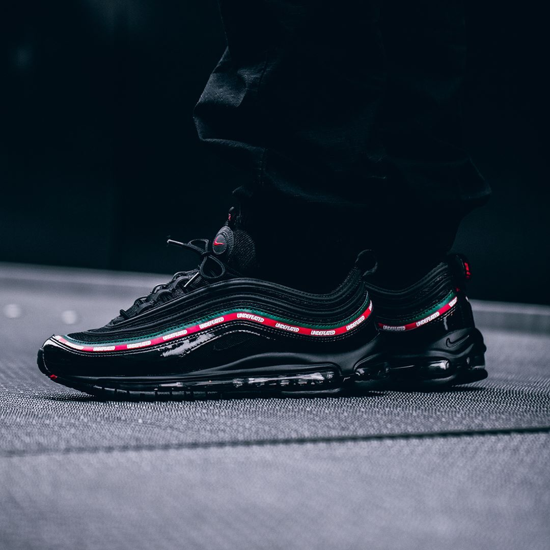 new arrival a5b35 580fe Release Date  September 21, 2017 Nike Air Max 97 Undefeated Credit   43einhalb