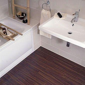 Badkamer met houtnerf PVC-tegels | Badkamer | Pinterest