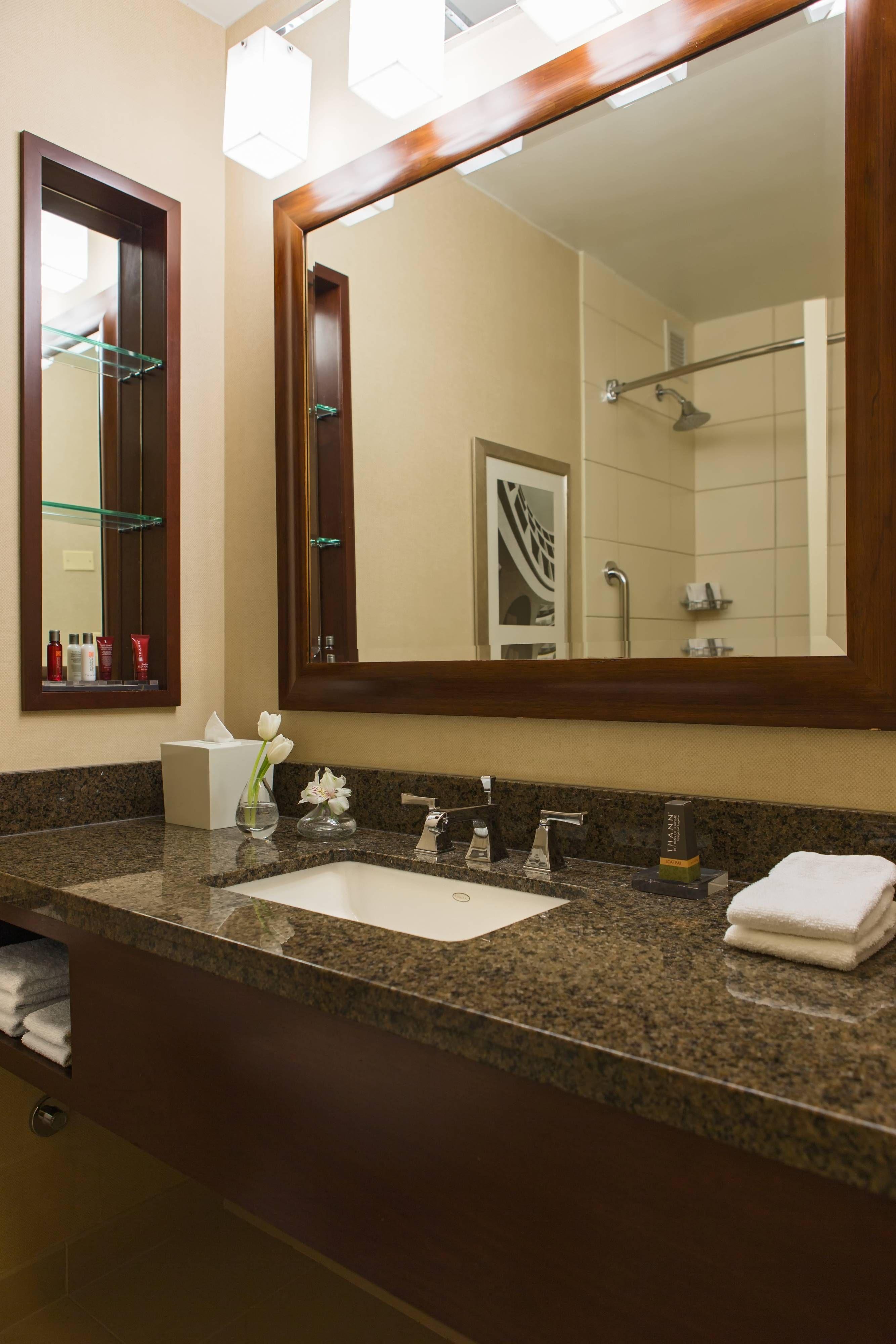 Chicago Marriott Oak Brook Suite Bathroom GuestRoom,