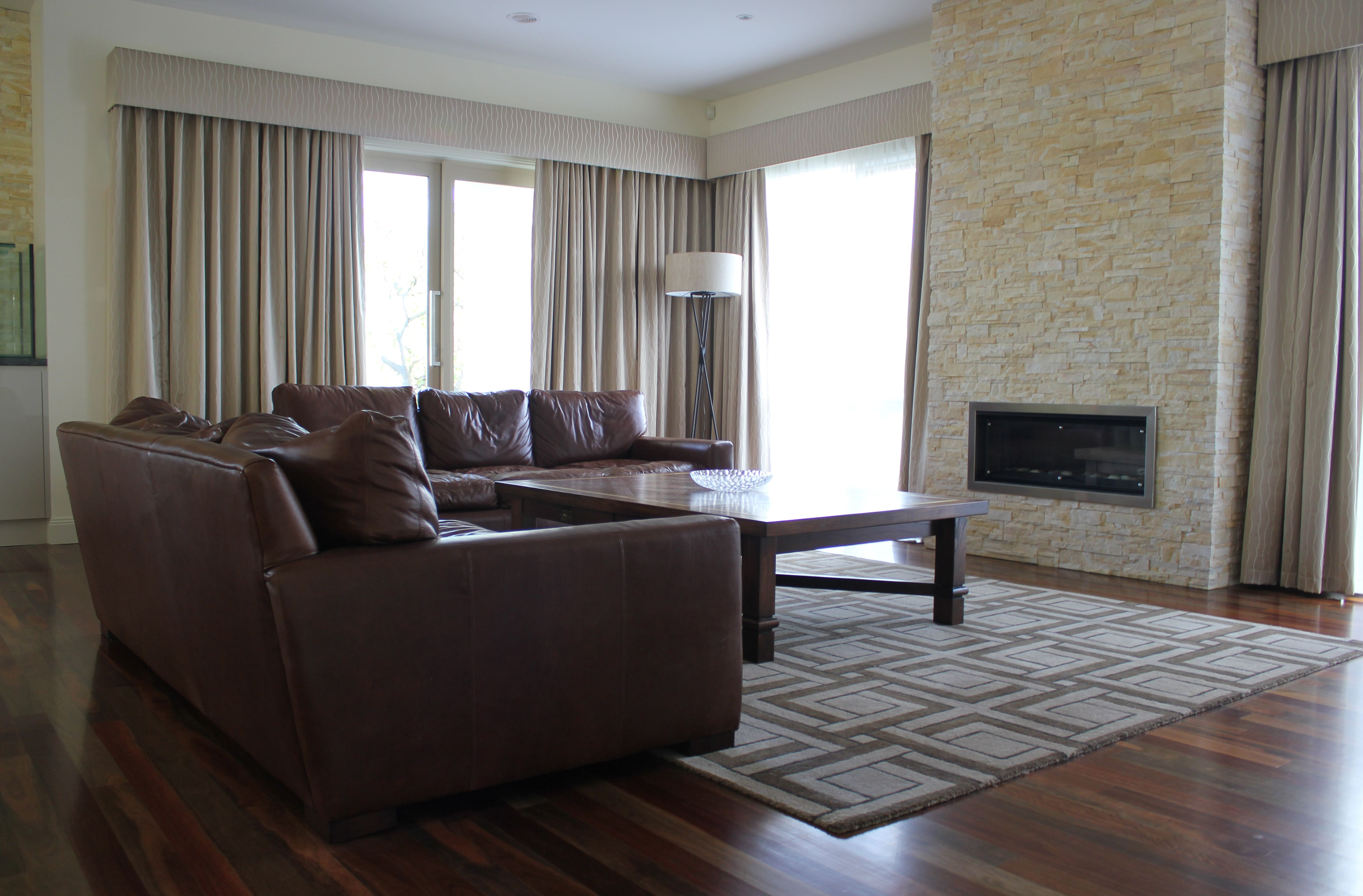 Informal Lounge Jacquard Fabric Curtains With Voile Sheers And Contrast Straight Padded Pelmets