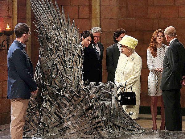 Queen Elizabeth Visits Game Of Thrones Set In Belfast Game Of Thrones Set Game Of Thrones Meme Game Of Thrones Funny
