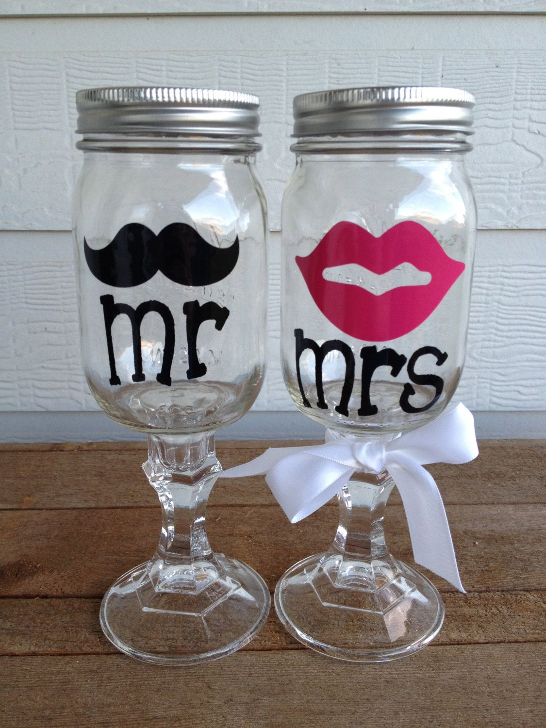 & Moustache And Lips Pilsner Wine Glass