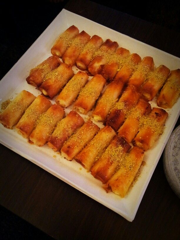 زنود الست حلويات عراقية Znood Elsit Iraqi Sweet Food Food Culture Recipes