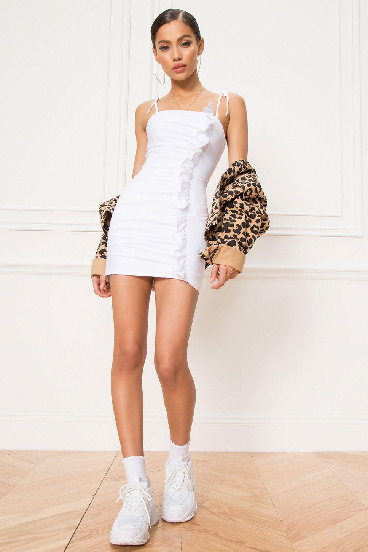 Superdown Pia Ruched Ruffle Dress Superdown In 2020 Ruffle Dress Dresses Cute Outfits [ 1450 x 967 Pixel ]